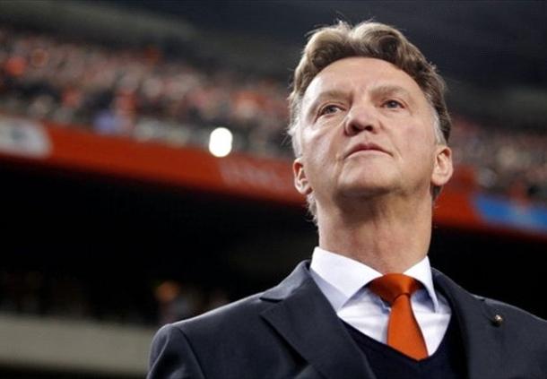 Tim Inggris Ingin Ditangani Louis Van Gaal